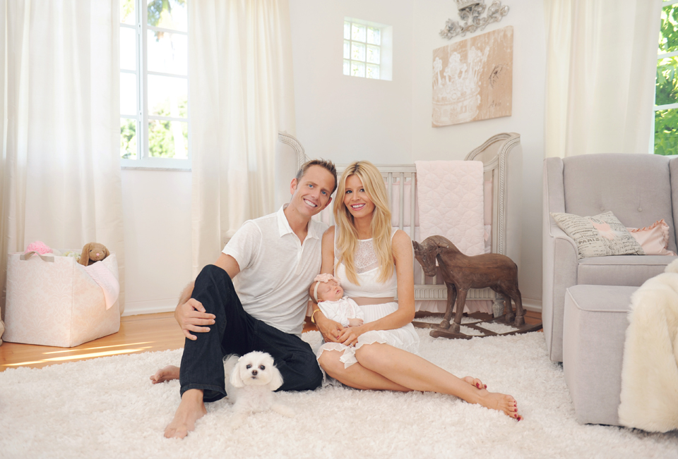 Family newborn session in Miami.